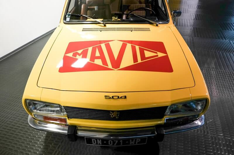 mavic-service-car